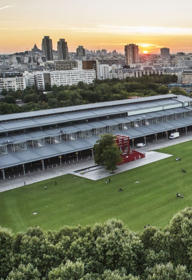 Grande Halle de La Villette vue de La Philharmonie