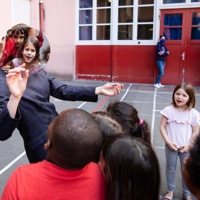 """Isabelle Clarençon - Mab'ish avec les élèves du collège André Citroën """"Reflets 2."""""""