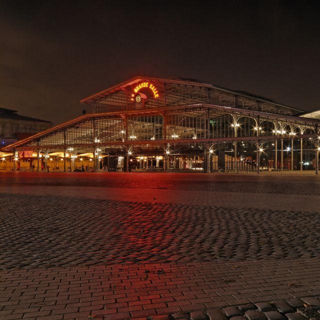 Grande Halle de La Villette de nuit