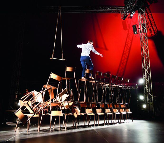 Galapiat Cirque / Lucho Smit
