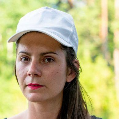 Julie Béna
