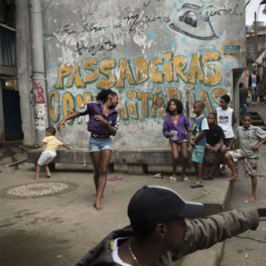 Découvrez le passinho, la danse de l'espoir pour une nouvelle génération au Brésil